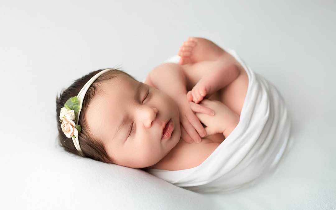 Newborn session with the prettiest baby girl
